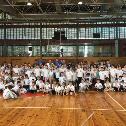 Спортен празник в зала Дунав